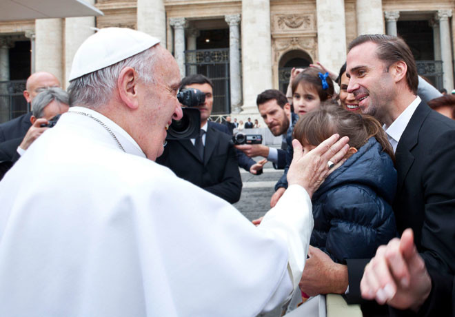 UIP - Papa Francisco - Risen 1