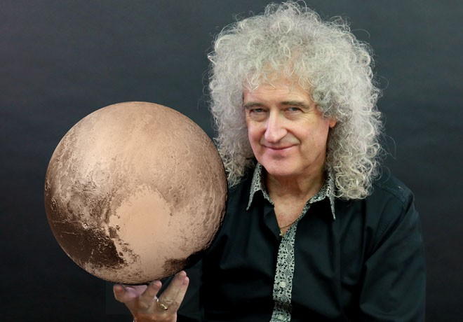 Discovery Channel - Brian May - Asteroide en la Mira
