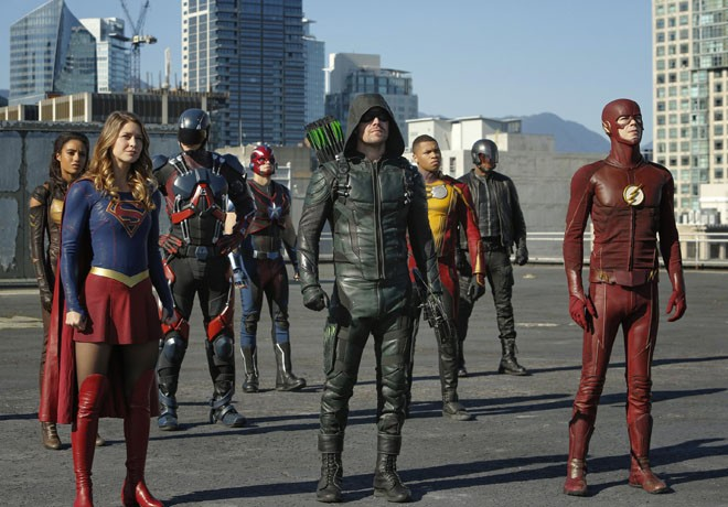 warner-channel-crossover-dc-invasion-1