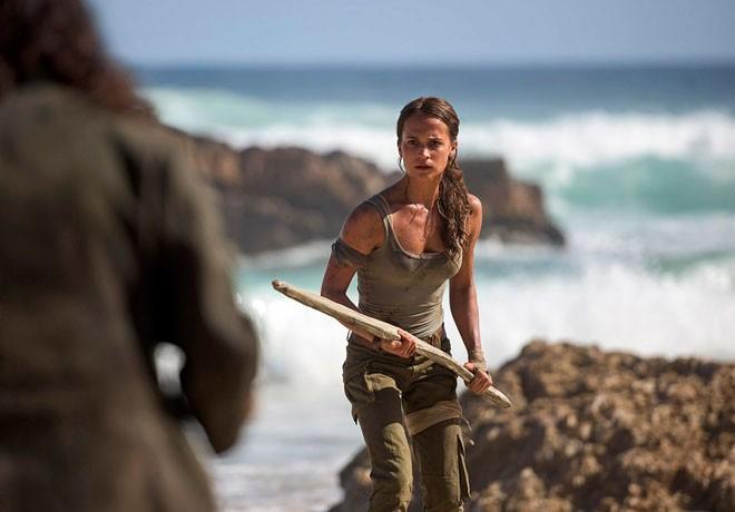 Alicia Vikander - Tom Raider 1