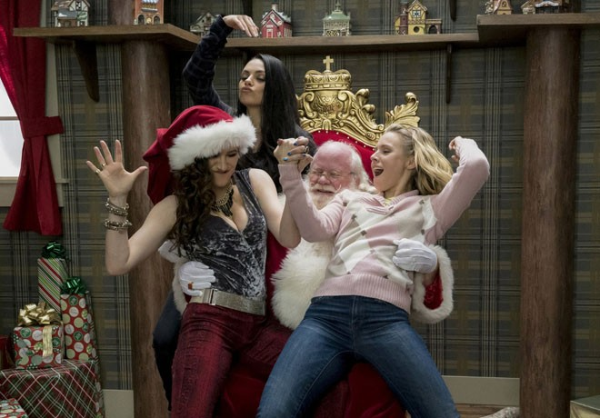 A Bad Moms Christmas 1