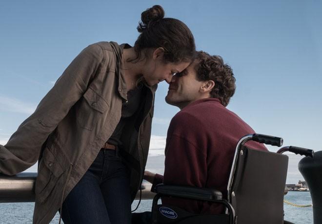 Stronger - Jake Gyllenhaal - Tatiana Maslany