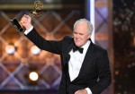 69 Premios Emmy - Emmy Awards - John Lithgow - The Crown